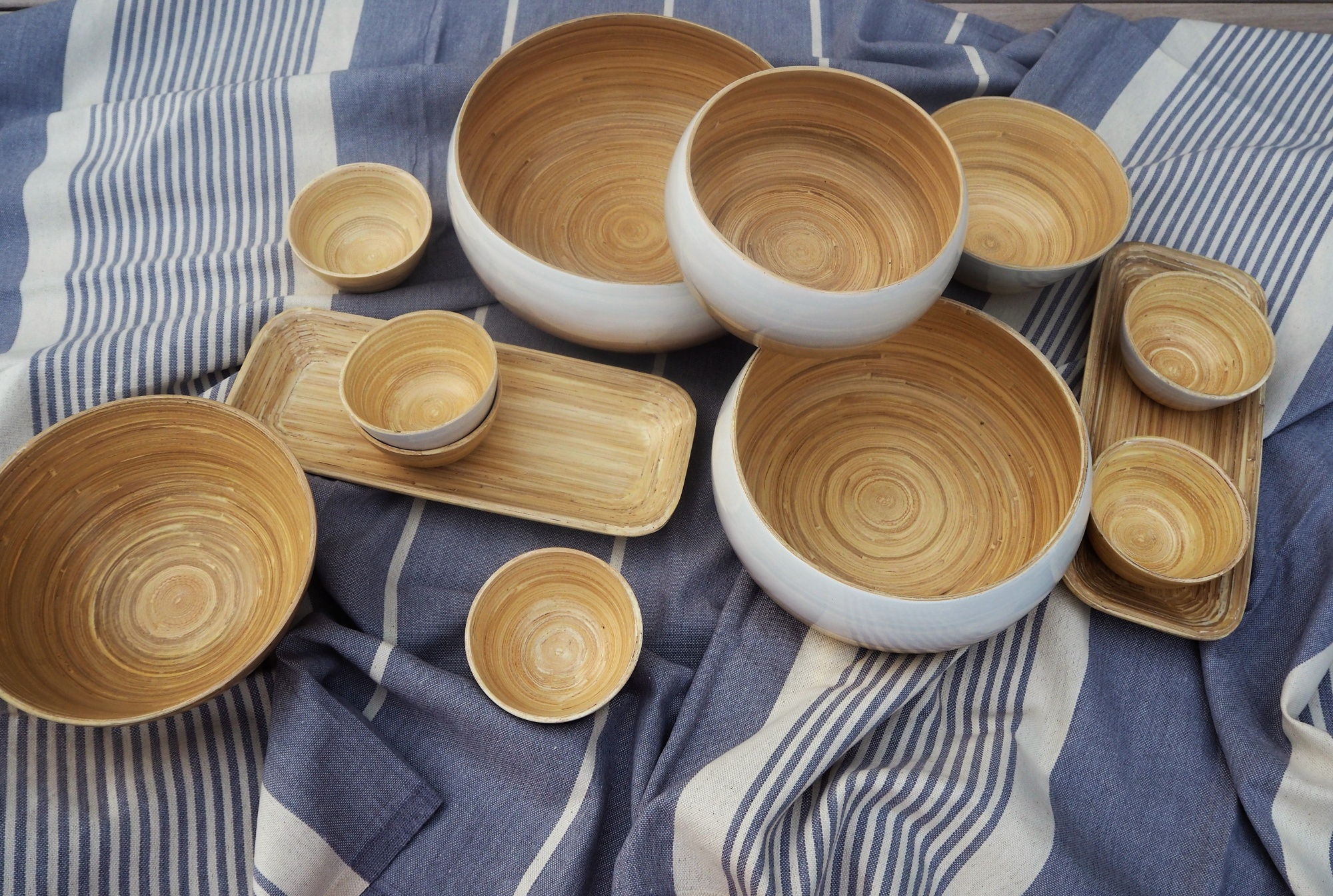 LO TABLEWARE