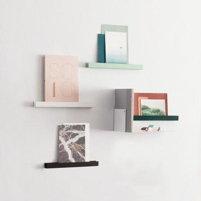 Metal shelves / magnetic