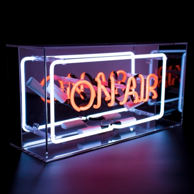 Neon ON AIR in Acryl Kader Tafellamp
